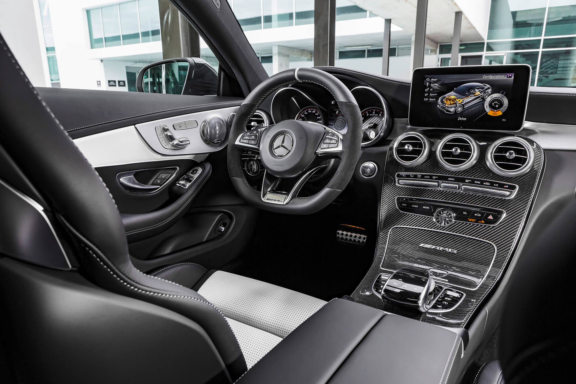 2018 mercedes amg c63 coupe makes its debut domino magazine. Black Bedroom Furniture Sets. Home Design Ideas