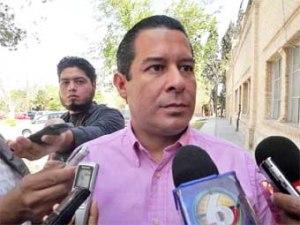 """""""Inflan"""" funcionarios y sus familiares precios de obras que se adjudican ilegalmente"""