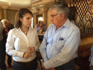 Hilda Flores con Jesús María Ramón.