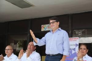 Rubén Moreira y su asesora de cabecera Esther Monsivais decidieron apapachar a La Coneja Alejandro Gutiérrez para quedar bien con Manlio Fabio Beltrones, nuevo líder nacional del PRI.