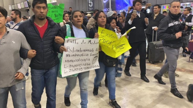 protesta-padres-con-cancer1