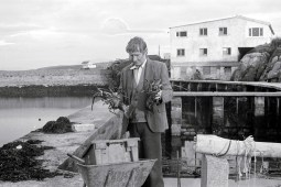 Piers - Owen King with lobsters back at Aughrusmore