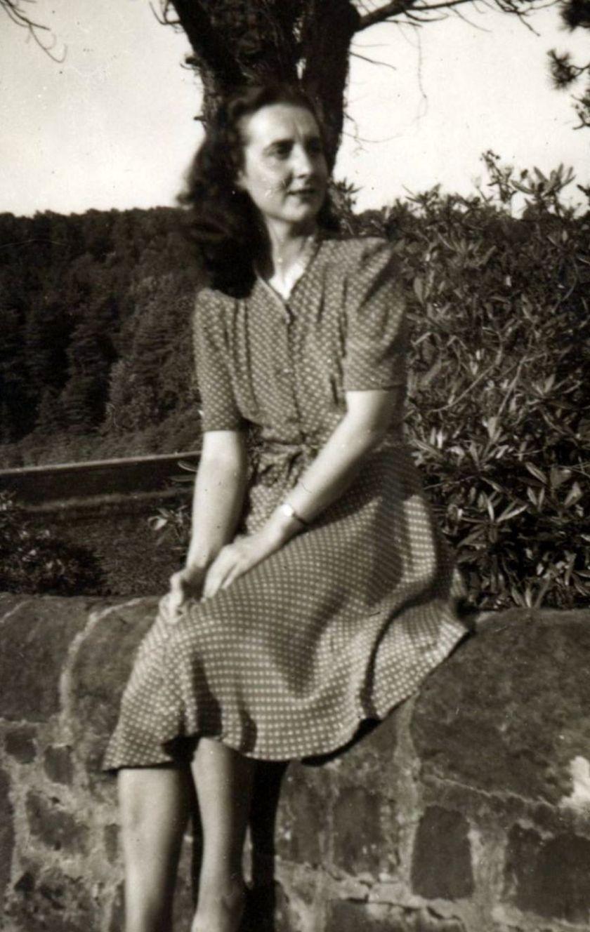 Byrne Emma David's mother 2
