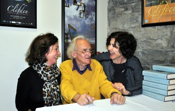 artribune 16 Nicole and Maire from Clifden Bookshop with Paul Durcan