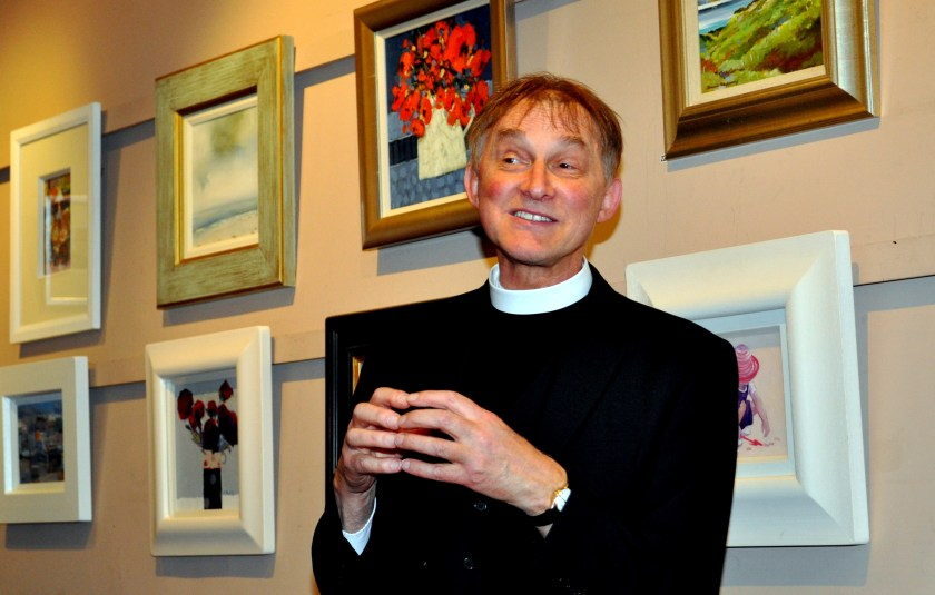 Whitley Laurence opens art exhibition 2.jpg