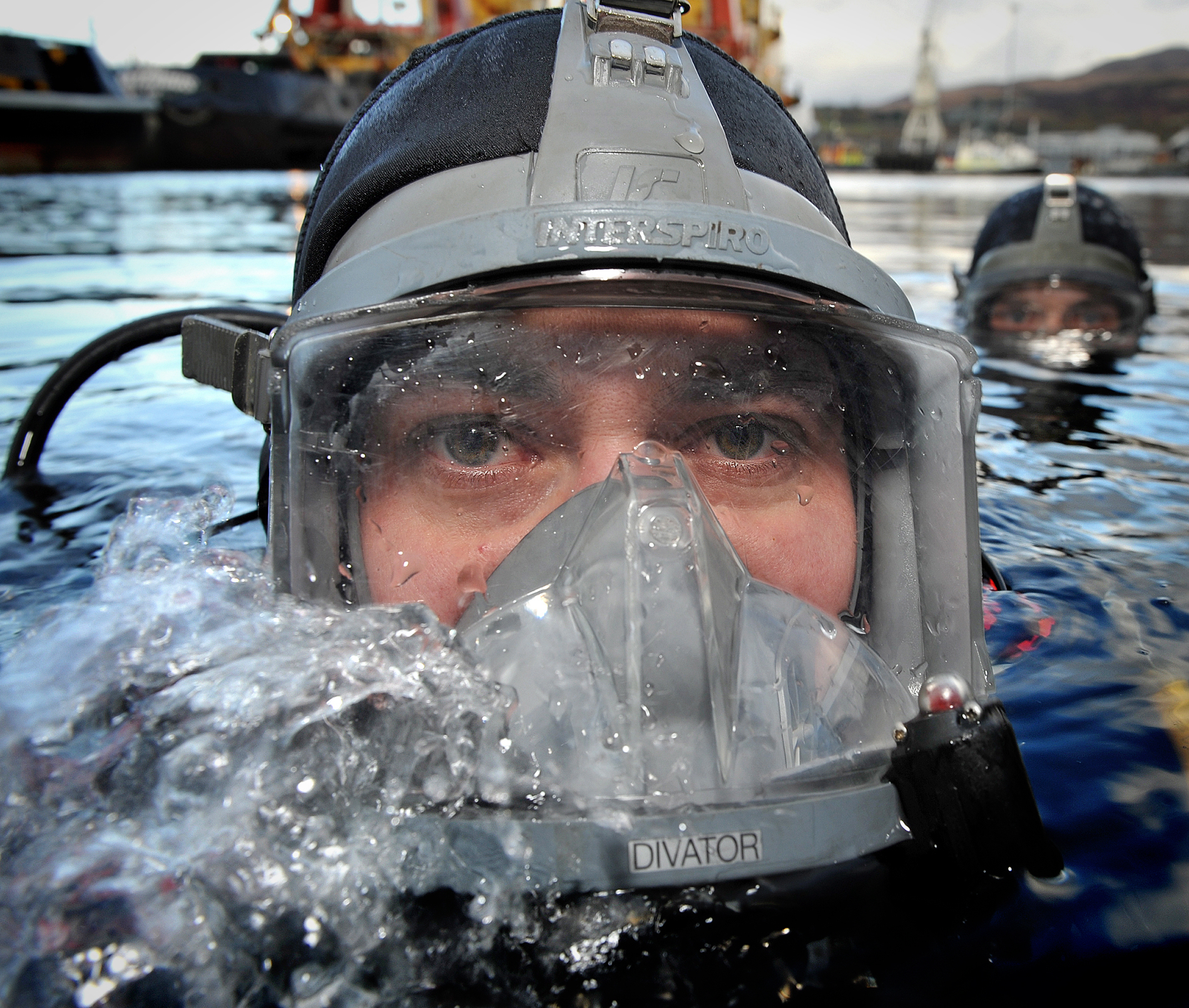 SECURITY: Police divers search River Clyde as preparation for COP26 ramps up