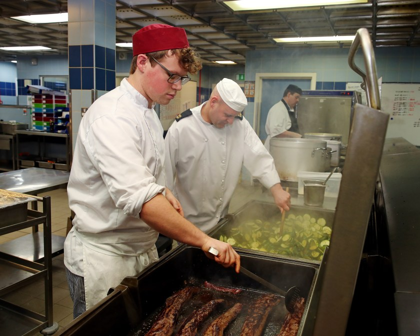 CITY OF GLASGOW STUDENTS COOK AT HMNB CLYDE