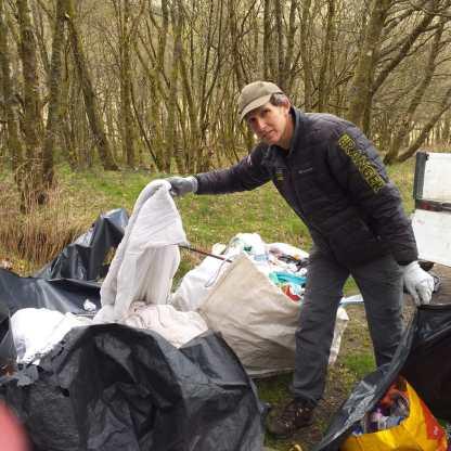 LOchlitter Ranger Gareth Kett tackles litter