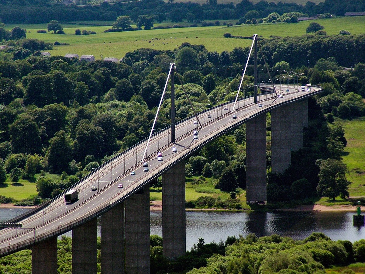 ROADWORKS WARNING FOR ERSKINE BRIDGE AND A82