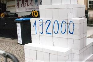 192.000 Unterschriften gegen den Bildungsplan, die die grün-rote Regierung mit einem Unbegründung in den Mülleimer getreten hat.