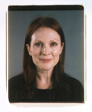 hbz-nov-2012-chuck-close-on-women-julianne-moore-xln