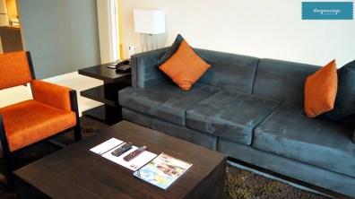KLTowerMakati-1bedroompremier-livingroom