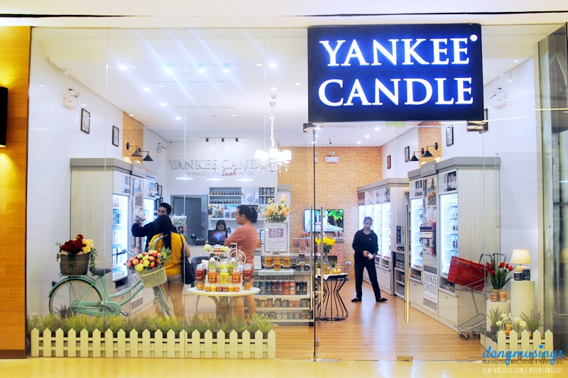 Yankee Candle Philippines, Uptown Mall BGC entrance