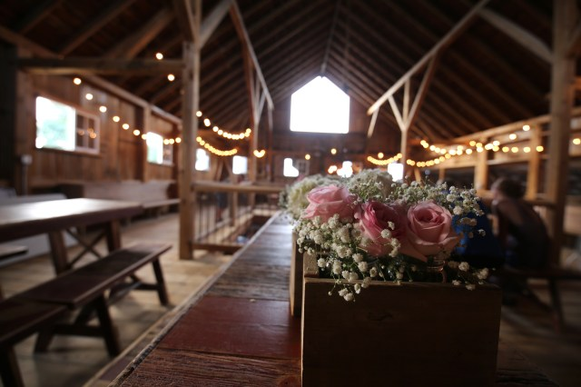 Barn Wedding Decor Iowa Barn Wedding Decor Hopes Bridal