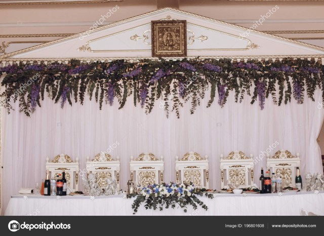Bride Groom Wedding Table Decorations Luxury Decorated Wedding Centerpiece Purple Flowers Arrangement