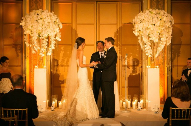 Candle Decorations For Wedding Ceremony Achieve This Look Ceremony Ideas Orchids Pedestals Vases