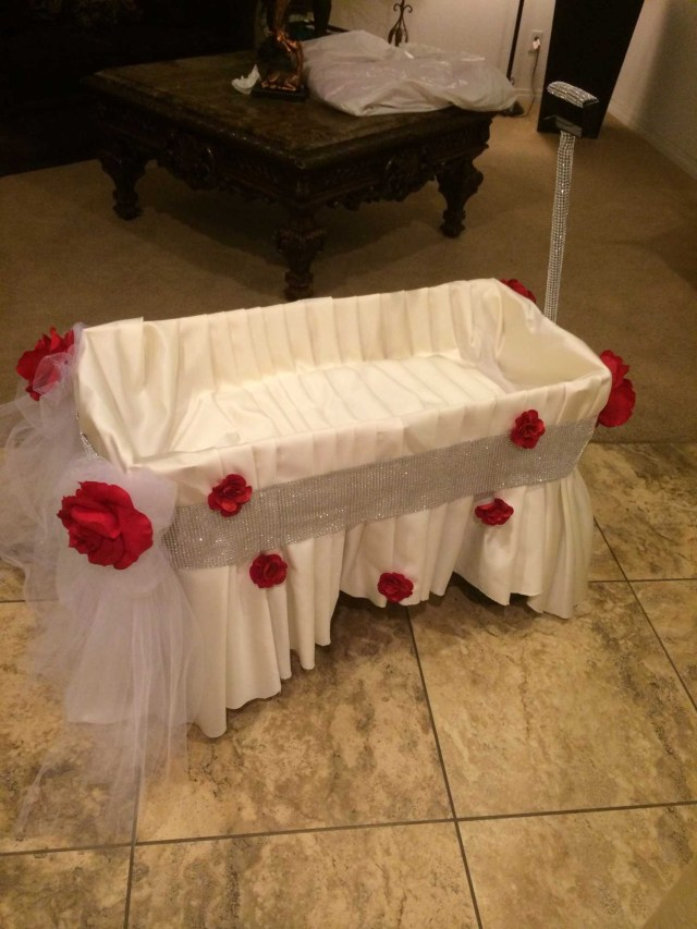 Decorating Wagon For Baby In Wedding Wagon Decorations For Wedding Wedding Decoration