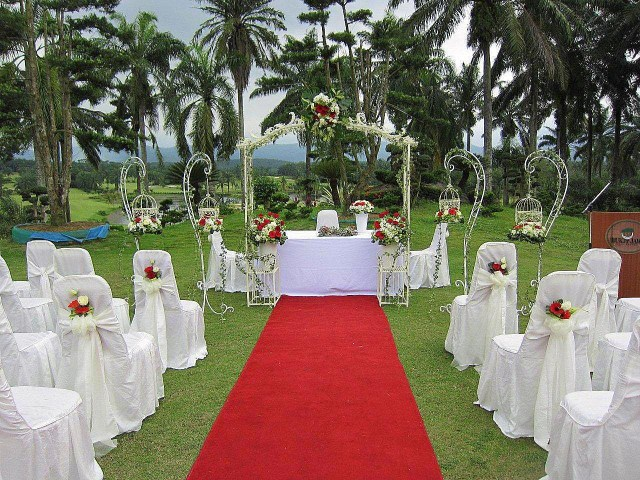 Garden Wedding Decorations Chic Simple Outdoor Wedding Ideas On A Budget Wedding Decor Outside