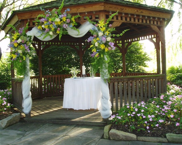 Gazebo Wedding Decorations Outside Gazebo Wedding Decoration Ideas Decorating A Gazebo For The