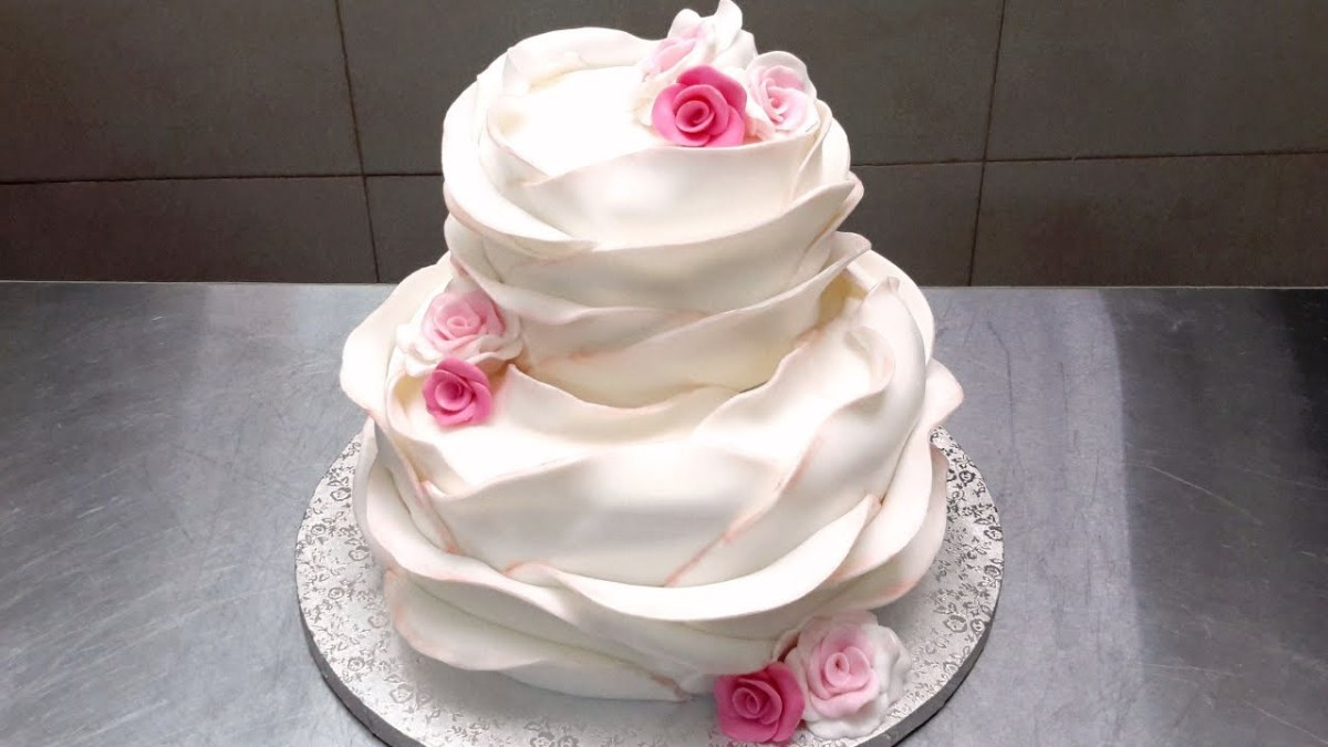 Wedding Cake Decoration Make Your Own Beautiful Wedding Cake How To Decorate Cakes