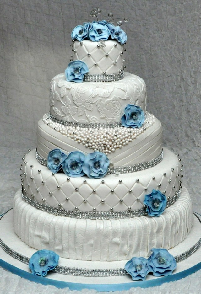 Wedding Cake Pearl Decorations 5 Tier Wedding Cake With Edible Pearls And Lace Decorated With