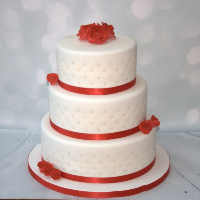Wedding Cake Pearl Decorations Red Roses Pearls 3 Tier Cake