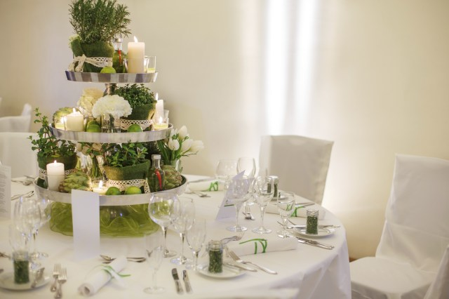 Wedding Tables Decorations Four Ideas For Wedding Table Decorations Easy Weddings Uk