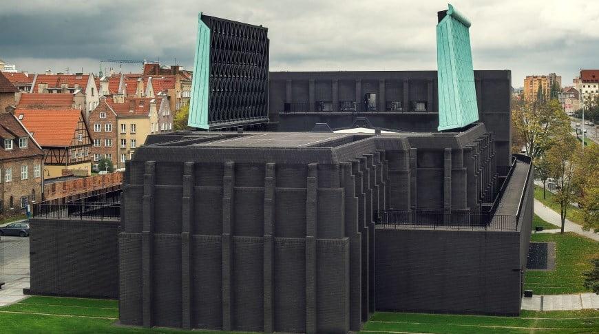 Denia Solutions Murinio fasado tvirtinimo sprendimai HALFEN Sekspyro muziejus Dancigas Lenkija