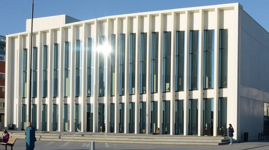 Denia Solutions Projektai Surenkamojo gelzbetonio konstrukciju sprendimai HALFEN Visuomeninis pastatas Bodo Norvegijoje