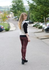 burgundy-coated-jeans