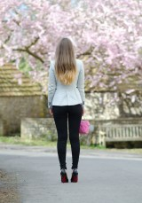 blonde-ombre-dip-dye-hair-diy-yoga-jeans