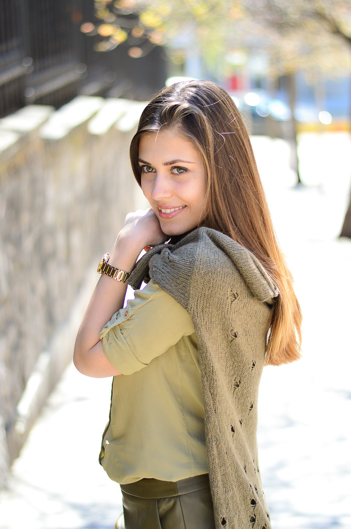 All in Khaki Bulgarian Blogger Denina Martin