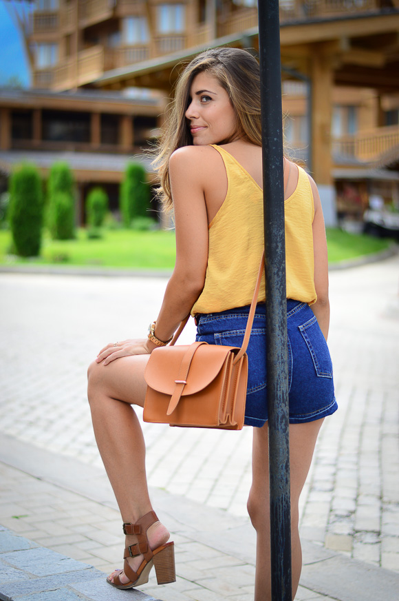Retro-Vibe-Down-Town-Denim-Shorts-Denina-Martin-10