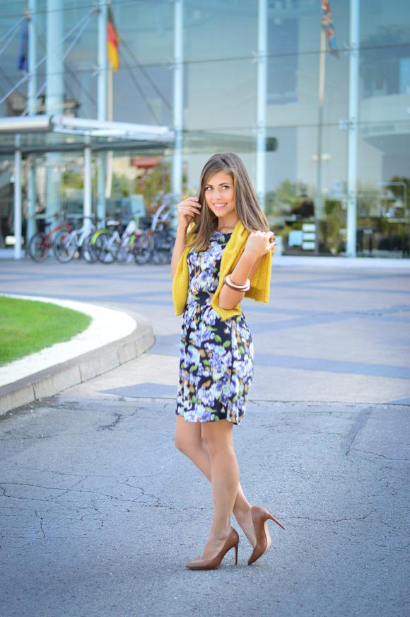 Benettom-Furla-Autmn-Outfit-Denina-Martin-Bulgaria-Mall-1