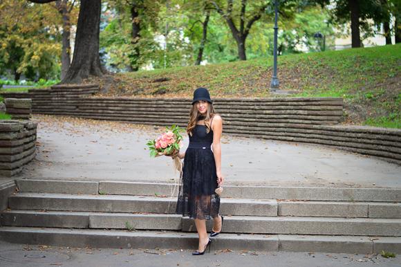 Retro-Lady-in-Black-Liu-Jo-Bulgaria-Mall-Denina-Martin-9