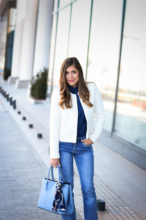 Blue-Flare-Jeans-Look-Denina-Martin-1