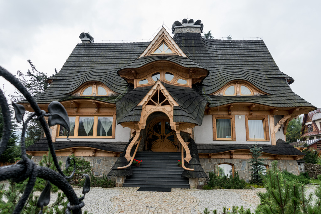 An extraordinary example of timber framing and carving in Zakopane.