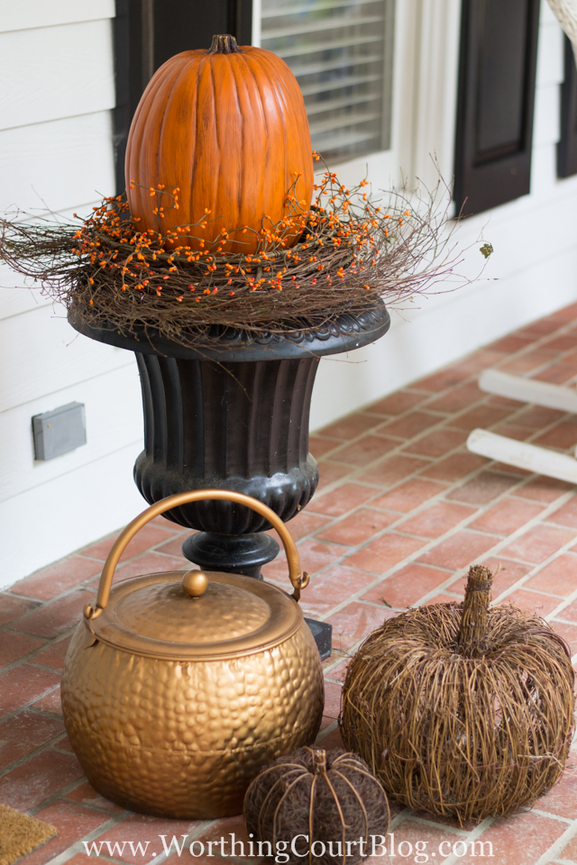 how to create a fall urn