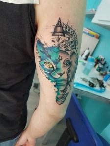Tatuaggio elefante e gatto