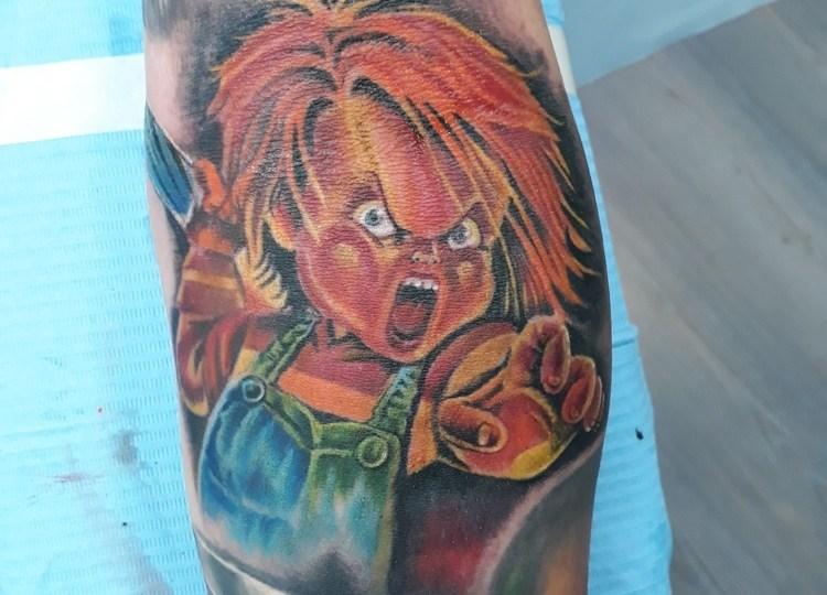 Tatuaggio bambola assassina