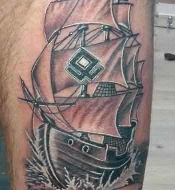 Tatuaggio nave vichinga