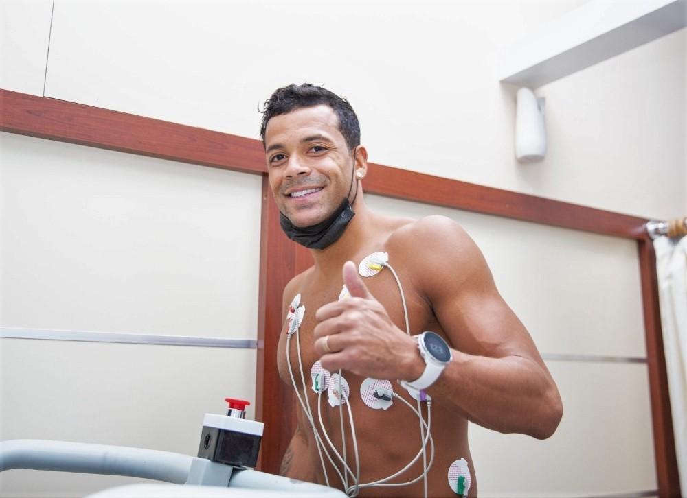 Mathieu Dossevi sağlık kontrolünden geçti