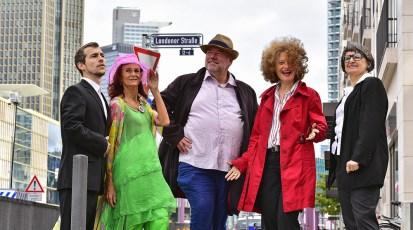 """Dienstag, 5.11.2019, 20:00 Uhr – """"Die Londoner Strasse"""" –  Eine satirische Performance"""