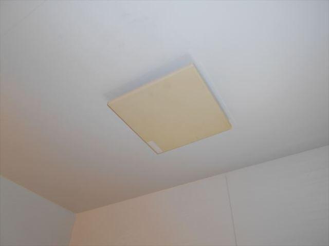 故障している浴室換気扇