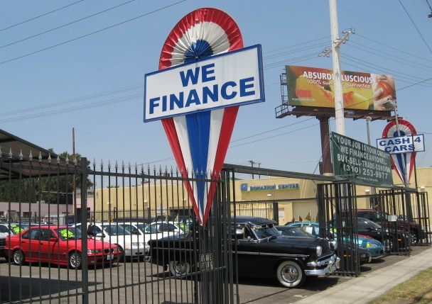 Dennis Buys Cars lot at 8931 Venice Blvd Los Angeles Ca 90034
