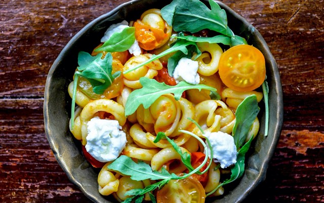 Cherry Tomato Pasta with Red Pepper Chili Pesto & Goats Cheese