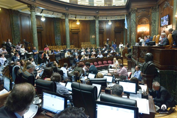 LEGISLATURA DEBATE INTERNA 2