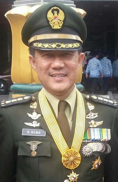 Dr. drg. Hananto Seno, Sp. BM., MM. pensiunan TNI yang kini menjadi dokter kepresidenan