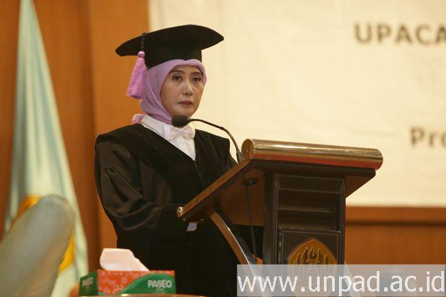 Prof. Dr. Arlette Suzy Puspa Pertiwi : Peran Orang Tua Menentukan Keberhasilan Perawatan Gigi Anak