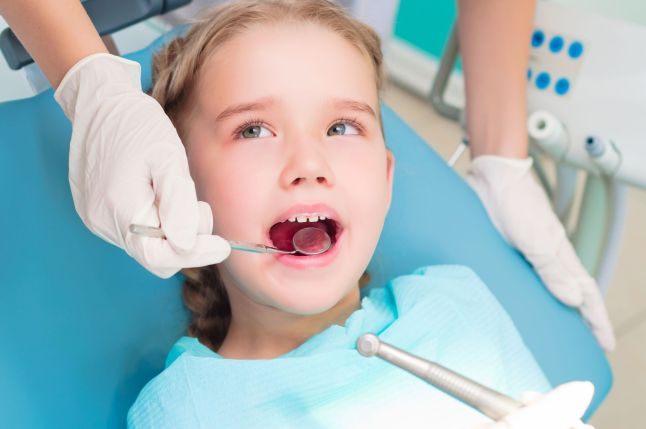 child inside dentist clinic in Robbinsdale MN